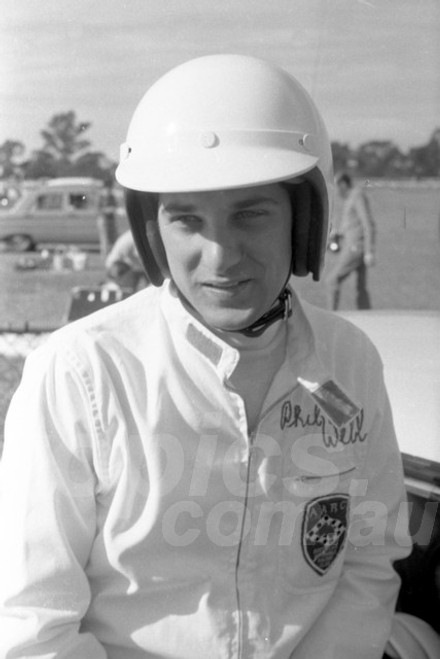 69668 - Phil Webb - Warwick Farm 1969 - Photographer Lance Ruting