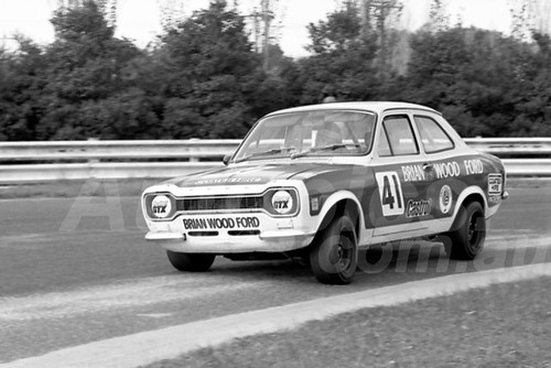 75228 - John Murcott / Rod Stevens, Ford Escort - Sandown 14 th September 1975 - Photographer Peter D'Abbs