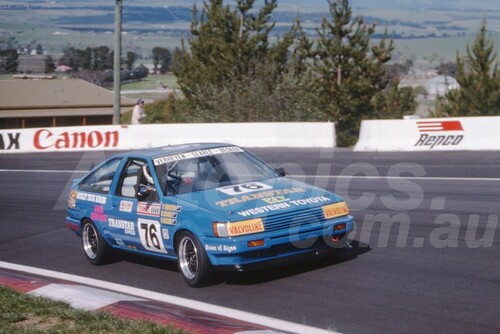 90900 - PETER VERHEYEN / RON SEARLE / RUSSELL BECKER, TOYOTA COROLLA  - Tooheys 1000 Bathurst 1990 - Photographer Ray Simpson