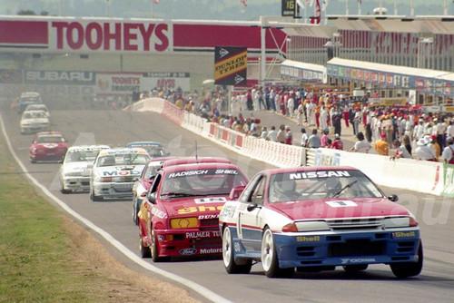 91775 - JIM RICHARDS / MARK SKAIFE, NISSAN SKYLINE R32 GT-R - 1991 Bathurst Tooheys 1000 - Photographer Ray Simpson