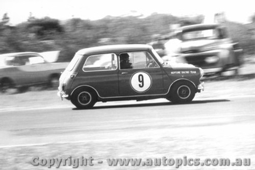 64024 - Peter Manton Morris Cooper S -  Warwick Farm 1964 - Photographer Lance Ruting