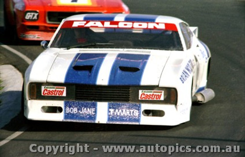 79022 -  J. Richards Ford Falcon - Calder 1979 - Photographer Darren House