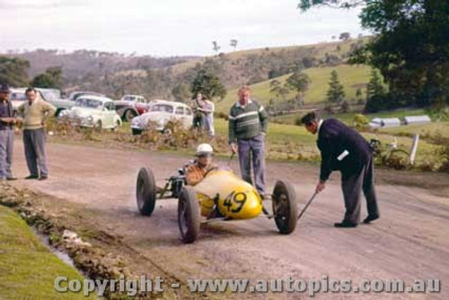 60103 -  B. Walton  - Walton Cooper  - Rob Roy Hill Climb 1960