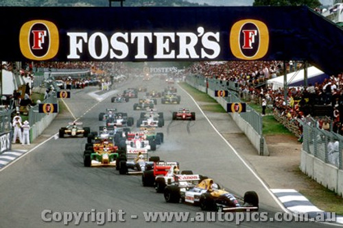 92505 - First Lap of the Australian Grand Prix Adelaide 1992 - Mansell / Senna / Patrese