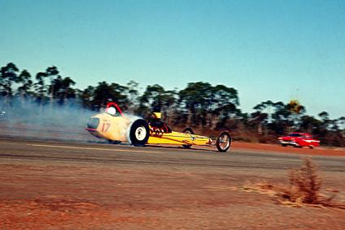 65911 - Eddie Thomas S/C Chrysler Dragster - NSW Drag Champoinships Castlereagh June 1965 - Photographer Richard Austin