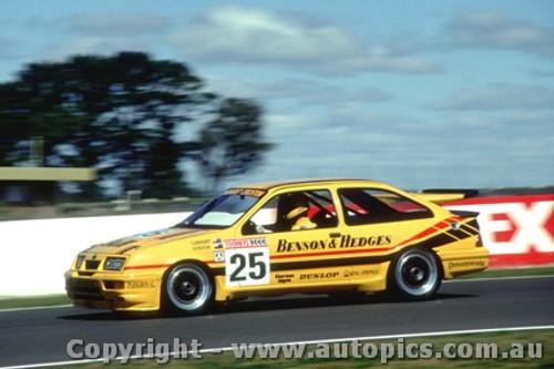 89757 - T. Longhurst / N. Crichton -  Bathurst 1989 - Ford Sierra RS500