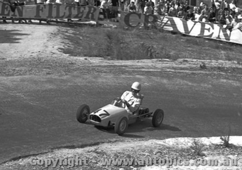 65104 - Tim Schenken   White 500 - Australian Hill Climb Championships - Lakeland 1965