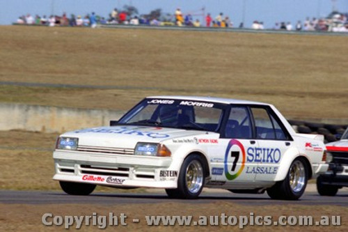 82009 - A. Jones / B. Morris - Ford Falcon XD - Oran Park 1982