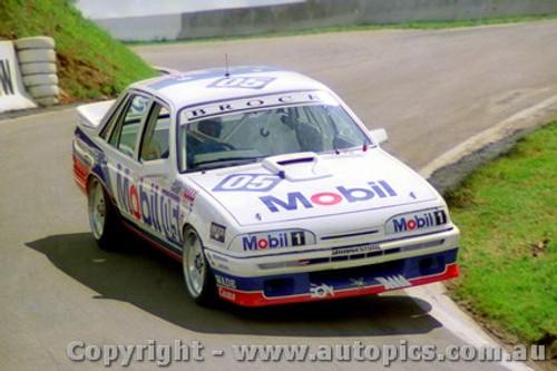 87759  -  Brock / Parsons / McLeod  -  Bathurst 1987 - 1st Outright -  Commodore VL