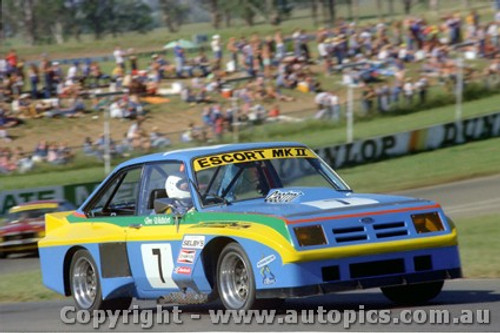78020 - Ron Whitaker Ford Escort - Oran Park 26/3/78