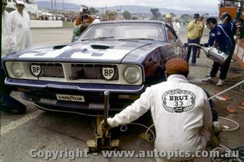 74737  -  A. Moffat / D. Glemser  -  Bathurst 1974 - Ford Falcon GT XB