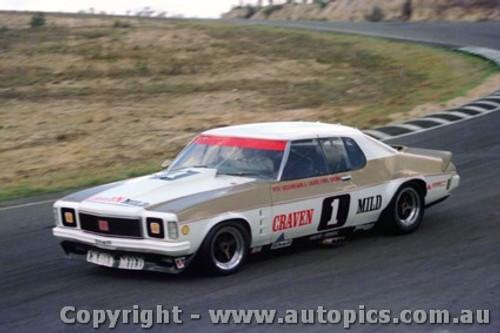 75010 - Ian  Pete  Geoghegan Holden Monaro - Amaroo 30th March 1975