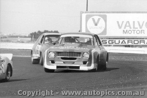 79028 -  Tony Hibbard and Ron King Holden Torana  - Calder  18th March 1979