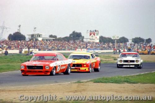 75031 - B. Jane Monaro / J. Richards Mustang / I. Geoghegan Monaro - Calder 1975 - Photographer Darren House