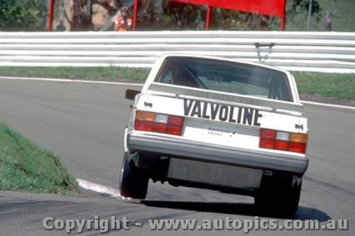 86763 - Bowe / Costanzo Volvo 240 Turbo  Bathurst 1986