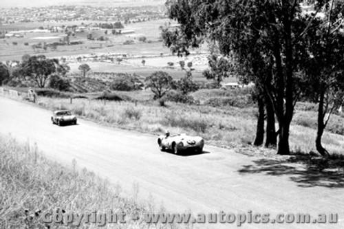 63401 - G. Ederton Cooper Jaguar - Bathurst 15th April 1963 - Photographer Bob Collinson