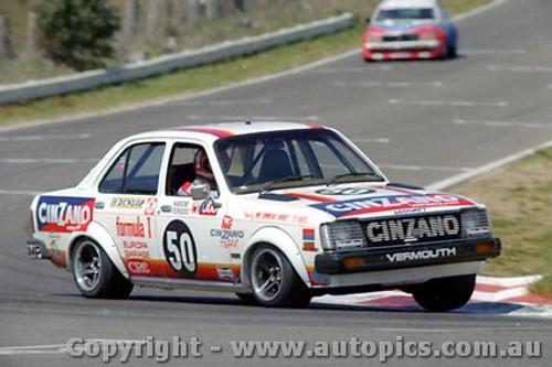 80835  - G. Leggatt / D. Seldon Isuzu Gemini -  Completed 18 laps -  Bathurst 1980 - Photographer Lance J Ruting