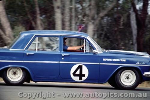 64050 - Norm Beechey Holden  EH S4  Warwick Farm  1964 - Photographer Richard Austin