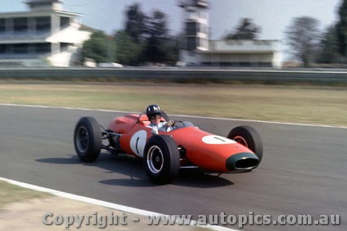 64530 - Graham Hill -  Brabham  -  Warwick Farm 1964 - Photographer Richard Austin