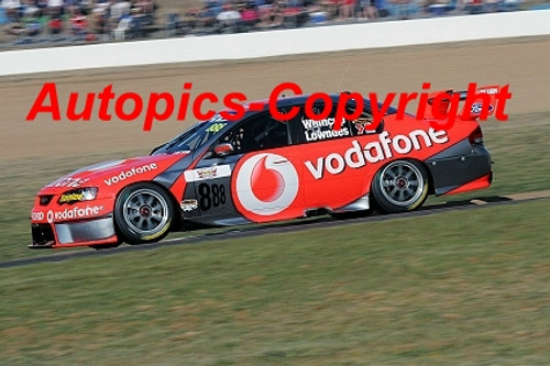 207704 - C. Lowndes / J. Whincup - Ford Falcon  - 1st Outright Bathurst 2007 - Photographer Craig Clifford