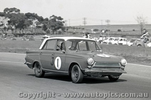 64058 - Harry Firth  Ford Cortina GT - Calder  8th March 1964  - Photographer  Peter D Abbs