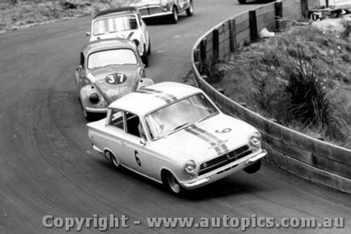 64059 - B. Jane Lotus Cortina / Terry Quartly Volkswagen  - Photographer  Lance J Ruting