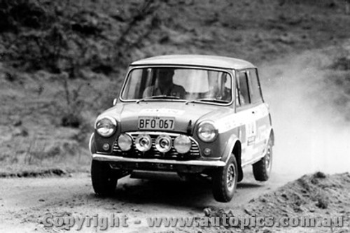 70972 - E. Green Morris Cooper S -  Rally of the Hills  October 1970