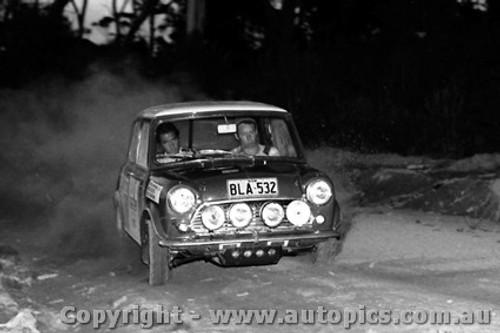 70973 - B. Culcheth / R. Bonhomme  Morris Cooper S -  Rally of the Hills  October 1970- Photographer Lance Ruting