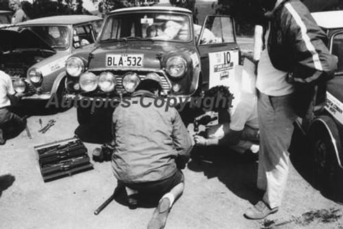 70974 - B. Culcheth / R. Bonhomme  Morris Cooper S -  Rally of the Hills  October 1970- Photographer Lance Ruting