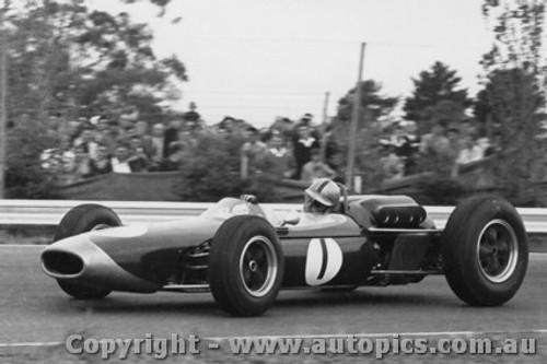 64532 - Jack Brabham -  Brabham  - Tasman Series Sandown  -  1964 - Photographer Peter D Abbs
