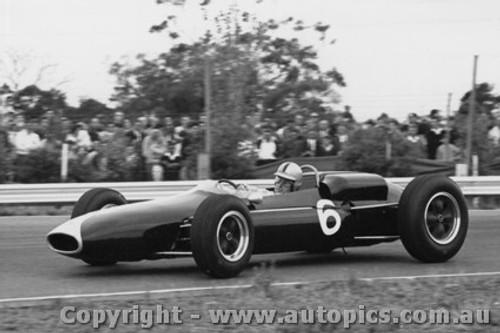 64534 - B. Stilwell -  Brabham  - Tasman Series Sandown -  1964 - Photographer Peter D Abbs
