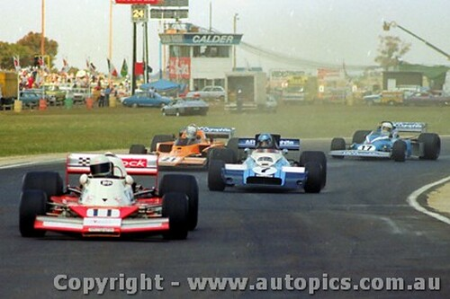 80602 - J. Bowe Elfin MR8 / J. McCormack McLaren M23 / P. Edwards Lola T332 / M. McEwin  Matich  -  Calder 1980 - Photographer Peter D Abbs