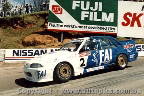 88759 - Win Percy / Allan Grice  Holden Commodore  - Bathurst 1988