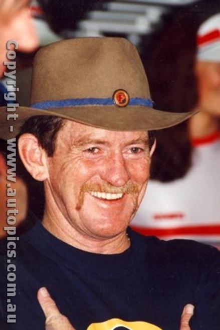 88761 - Allan Grice  Holden Commodore  - Bathurst 1988