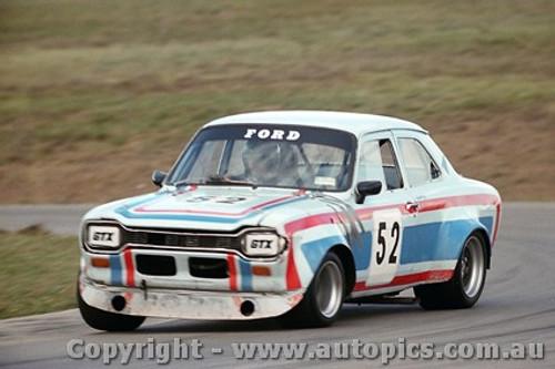 79042 - Garry Ford  Escort - Oran Park 29th April 1979 - Photographer Richard Austin