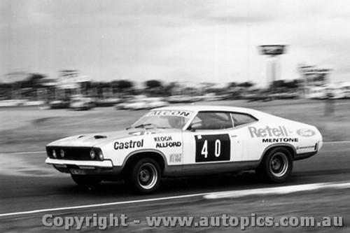 75040 - J. Keogh-  Ford Falcon - Calder 1975 - Photographer Peter D Abbs