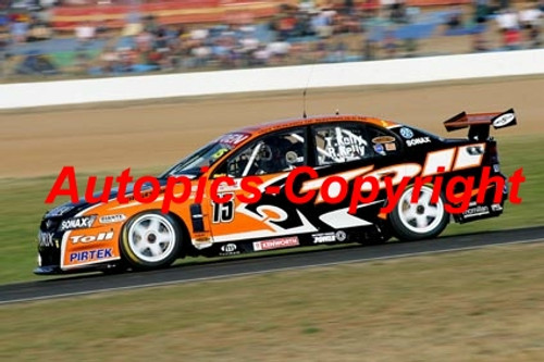 206005 - R. Kelly / T.  Kelly - Holden Commodore VZ - 2nd Outright Bathurst 2006 - Photographer Craig Clifford