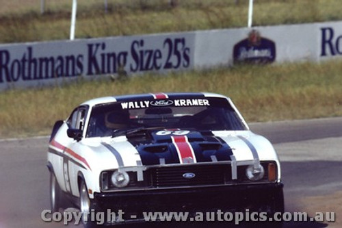 82045 -  Wally Kramer Falcon - Oran Park 1982 - Photographer   Lance J Ruting