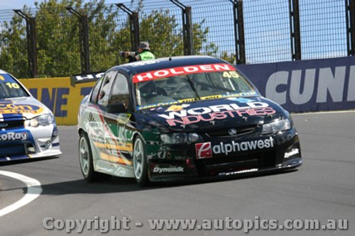 203720 - N. Minassian / J. Magnussen - Holden Commodore VY - Bathurst  2003 - Photographer Jeremy Braithwaite