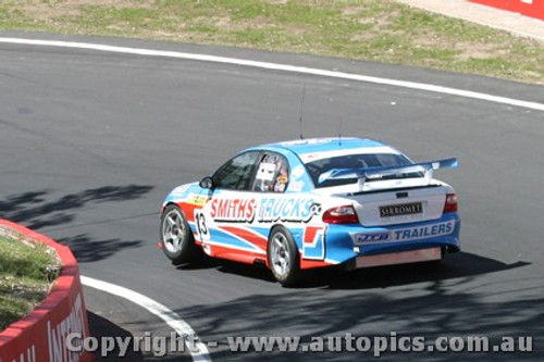 203724 - S. Owen / P. Scifleet - Holden Commodore VY - Bathurst  2003 - Photographer Jeremy Braithwaite