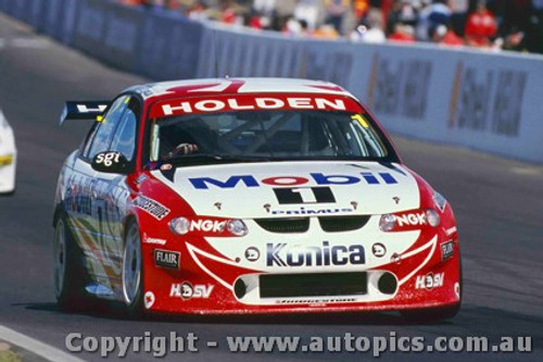 99717 - Craig Lowndes / Cameron McConville - Holden VT Commodore - 2nd Outright Bathurst FAI 1000 1999 - Photographer Craig Clifford