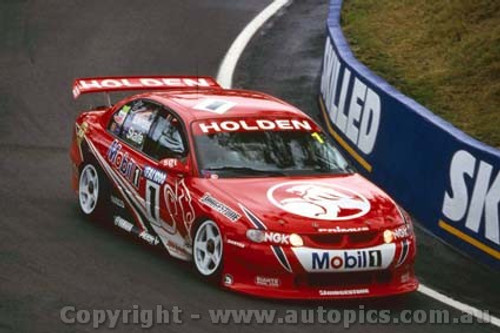 200715 - C. Lowndes / M. Skaife Holden Commodore VT -  Bathurst FAI 1000 2000 - Photographer Craig Clifford