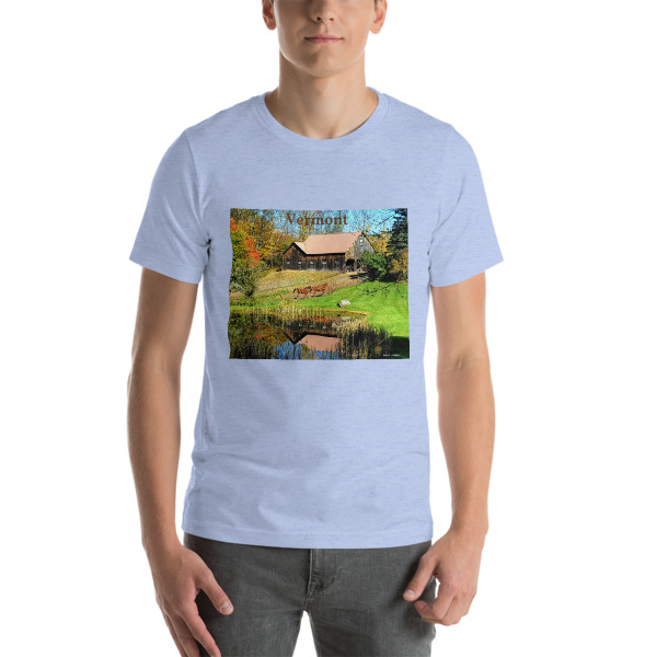 """Classic New England"" Barn with Horses  Adult Unisex Short-Sleeve T-Shirt - New England Beauty - Woodstock, Vermont"