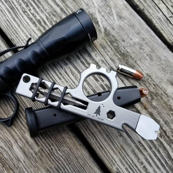 Wise Guy Pocket Tool in Gun Metal Gray