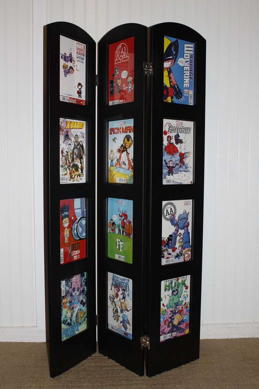 tri fold comic book display by the collectors resource