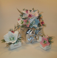 Holiday White  Flower Gift Box - 1, 4, 6, 9, 16, 20, 25, 32, 48 pieces