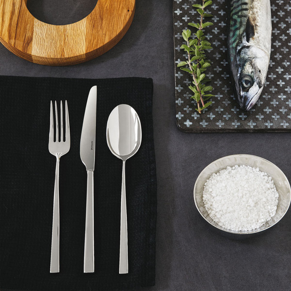 ... thumbnail image of Linea Q 18/10 Stainless Steel 5 Pcs Place Setting (solid & Linea Q 18/10 Stainless Steel 5 Pcs Place Setting (solid handle knife)