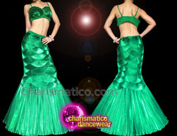 c7ea67c951e CHARISMATICO Vibrant Green Mermaid Two-Piece Costume With Shell Bra And  Layered Skirt