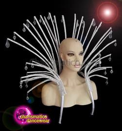 CHARISMATICO Pipe geometric silver collar with faux diamonds