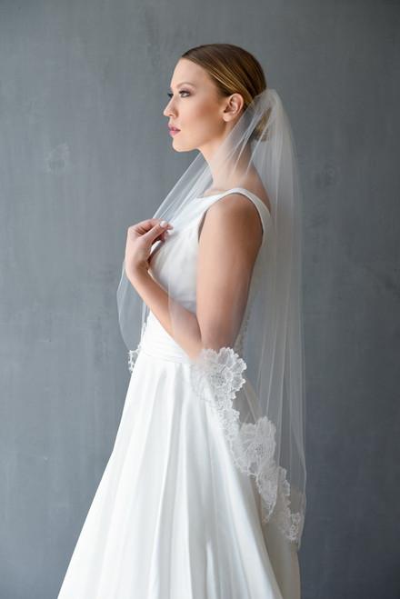 Erica Koesler Wedding Veil 851-40- Chantilly Lace Edge